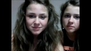 sisters give cam show-camstaboo.com